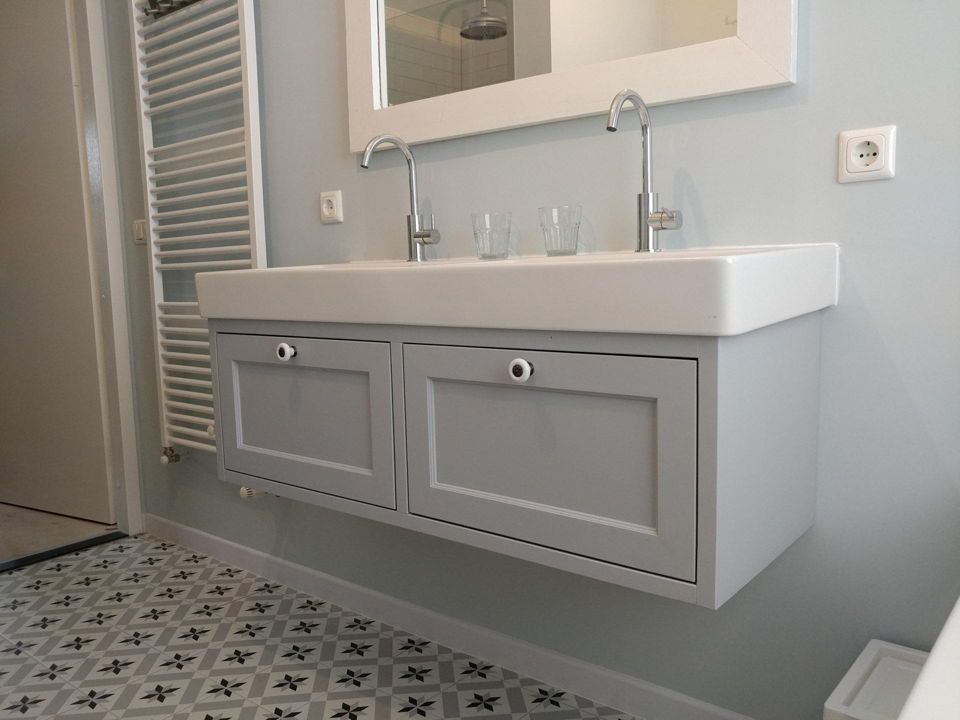 Badkamer landelijke stijl – VinaWood Meubelmaker