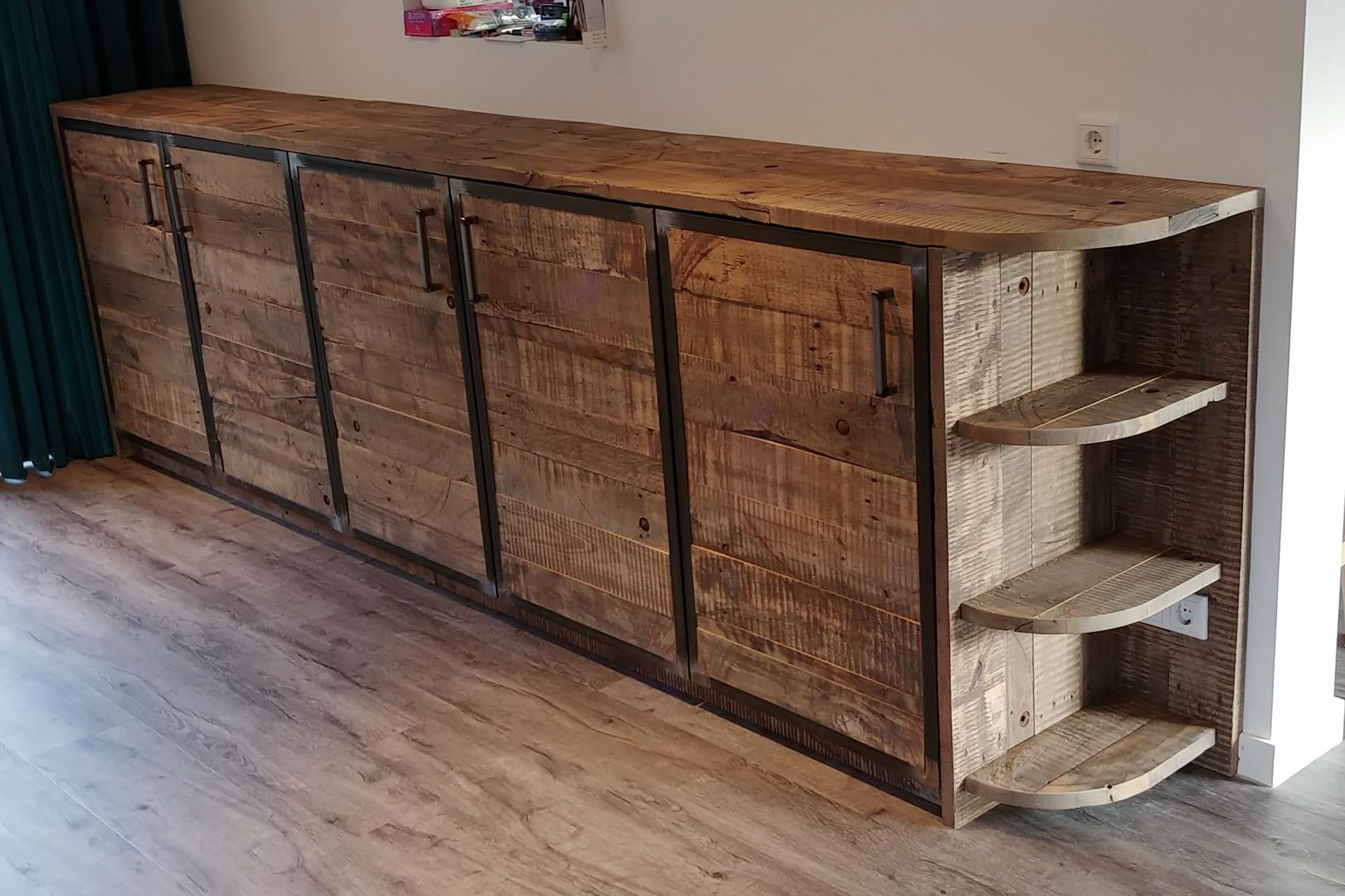 Sloophout dressoir kast